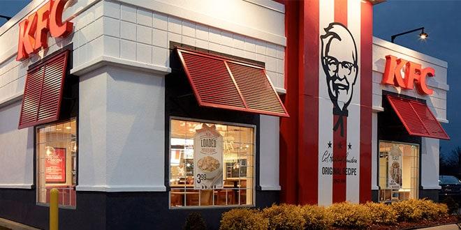 Baktérium a jeges üdítőkben: a KFC leállította Romániában az összes gépet