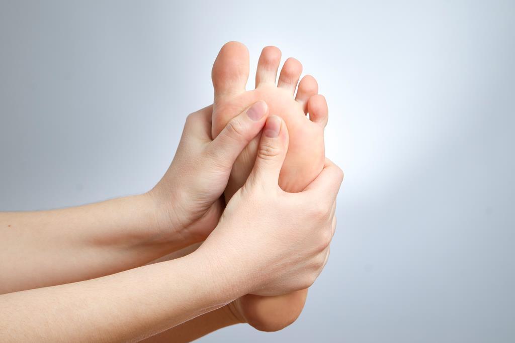 szabad fekély a lábujjak között)